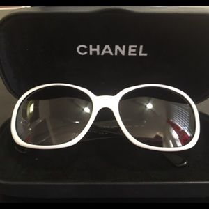 CHANEL camelia white sunglasses